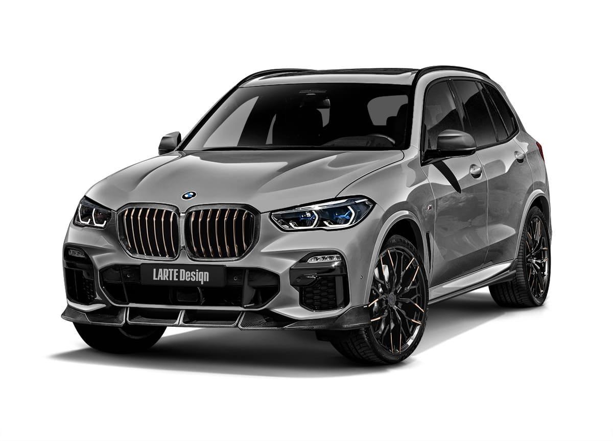 Серый BMW X5 G05 в обвесе от Larte вид спереди