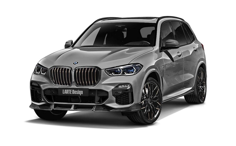 Серый BMW X5 вид спереди