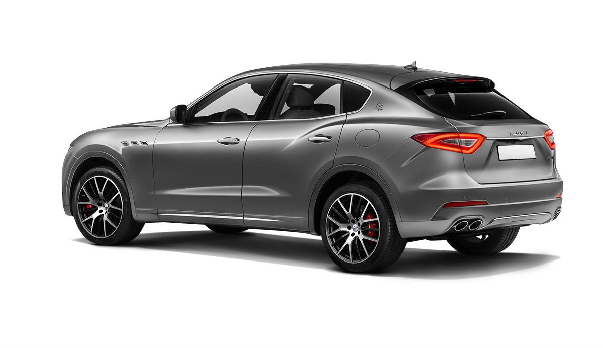 Стандартный Maserati Levante вид сзади